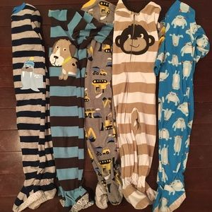 Lot of 5 size 2T fleece sleepers
